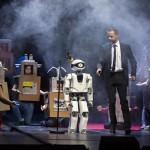 猛練習を重ねたロボット、ドイツでオペラの舞台に立つ