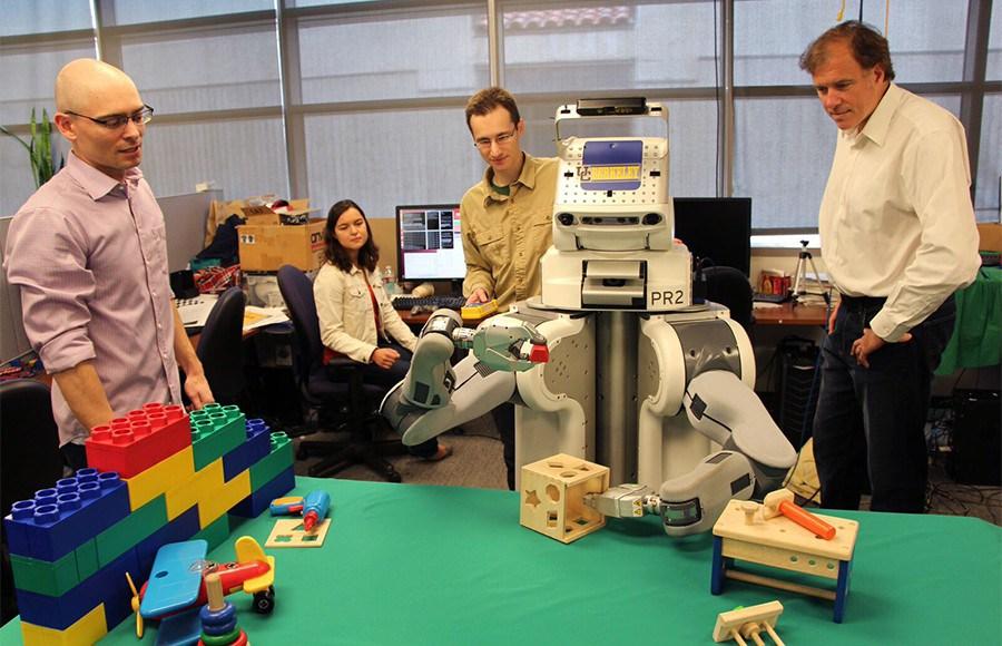 Robot-UC-Berkeley-Robot-Learning-Lab-Courtesy-900x580