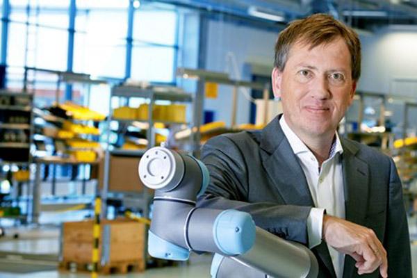 EnricoKrogIversen_ユニバーサルロボット