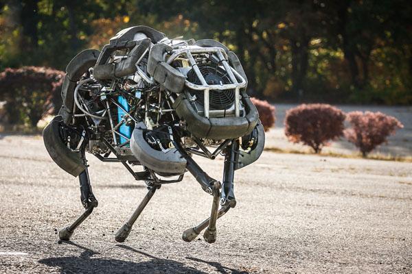 ボストンダイナミクス_犬型ロボット