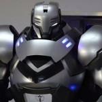 フューチャーワイズ社「人間搭乗型強化外骨格」プロトタイプを披露