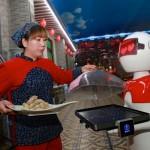 中国レストランがロボットを解雇、現在失業中