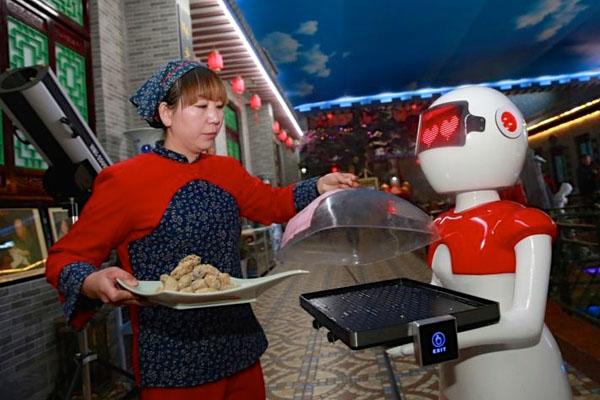 中国_ウェイターロボット3