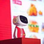 【動画】上海のKFCにバイドゥーのAIロボット「Duer(度蜜)」お目見え