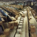 ウォルマートが倉庫にドローン導入…早ければ年内に実現か