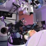 ロボットが外科手術...カナダ・オンタリオ州の最先端医療現場