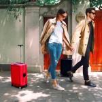持ち主を自動追跡するスーツケースetc...かばんのスマート化進む