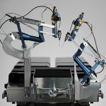 ロボットを使った世界初の手術…患者は順調に視力回復