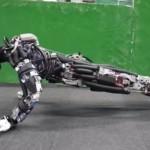 東大の汗をかく&腕立て伏せするロボット・ケンゴローに世界仰天