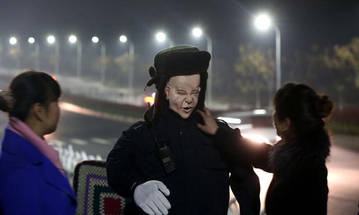 中国_墓守ロボット
