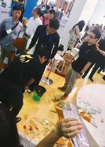ロボット暴走_中国