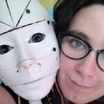 同性婚の次はAI婚か…ロボットと恋に落ちた仏女性「結婚合法化されたら一緒になる」