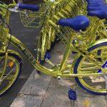 中国バイクシェア大手「金ピカAI自転車」配備…超ド派手な外観で差別化!?