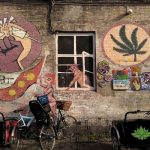 欧州随一の「大麻の街」に警察がドローン投入…3日間で60人逮捕