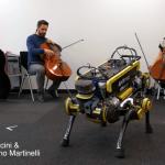 音楽に合わせて踊る歩行型ロボット登場…目標はディスコでのダンス披露