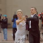テロの傷を克服して舞台へ、足を失ったダンサーと科学者の挑戦