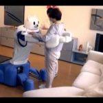 理研が開発する介護ロボット「ROBEAR」