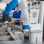 米ファーストフード・ホワイトキャッスルが調理用ロボット「フリッピー」導入